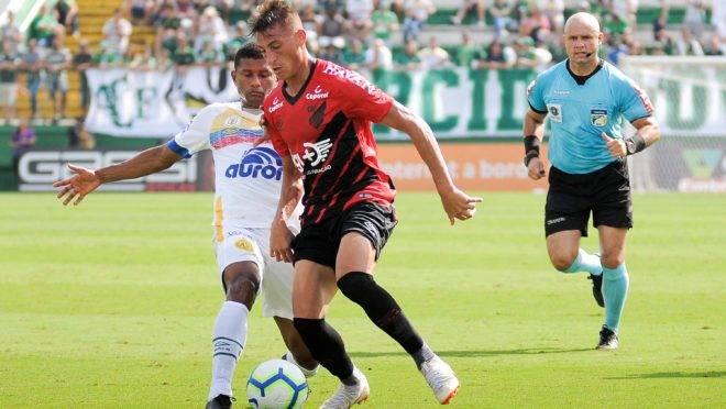tip-bong-da-tran-athletico-paranaense-vs-chapecoense-–-05h00-30-09-2019-–-giai-vdqg-brazil-fa (3)